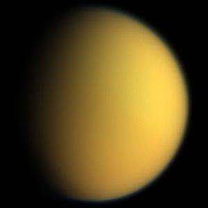 luna titan saturno